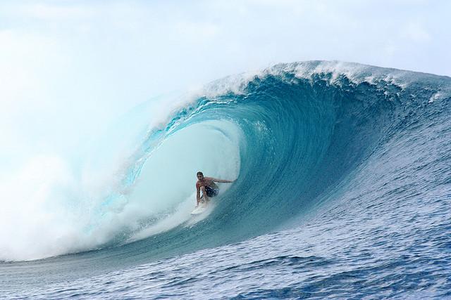 Friday mixtape 187 big wave surfing teahupoo tahiti photo by duncan rawlinson